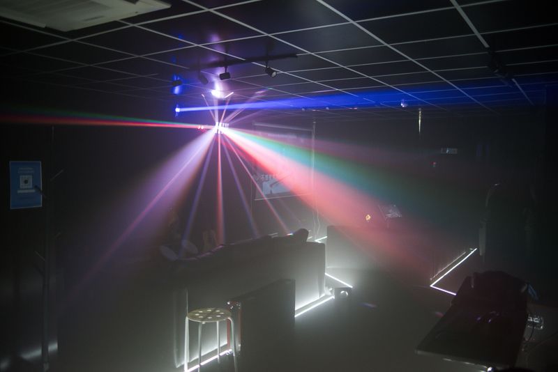 Party Room 葵涌 Hong Kong hk 香港 玩樂活動 Black Oasis - VR Party Room 適合 8 至 60 人