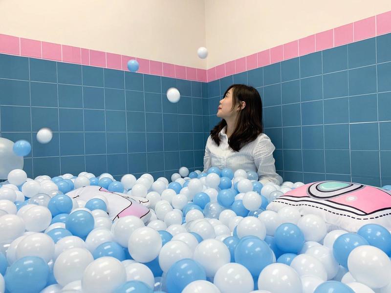 Party Room 荃灣 Hong Kong hk 香港 玩樂活動 Chill Club Party - Swimming Pool 主題房 適合 8 至 50 人