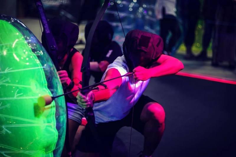 新穎室內運動 / 室內玩樂 荔枝角 Hong Kong hk 香港 玩樂活動 刺激攻防箭競技遊戲 適合 1 至 40 人