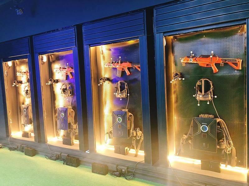 運動或VR競技 葵涌 Hong Kong hk 香港 玩樂活動 CyberX VR 香港首間大空間VR射擊遊戲 適合 2 至 4 人