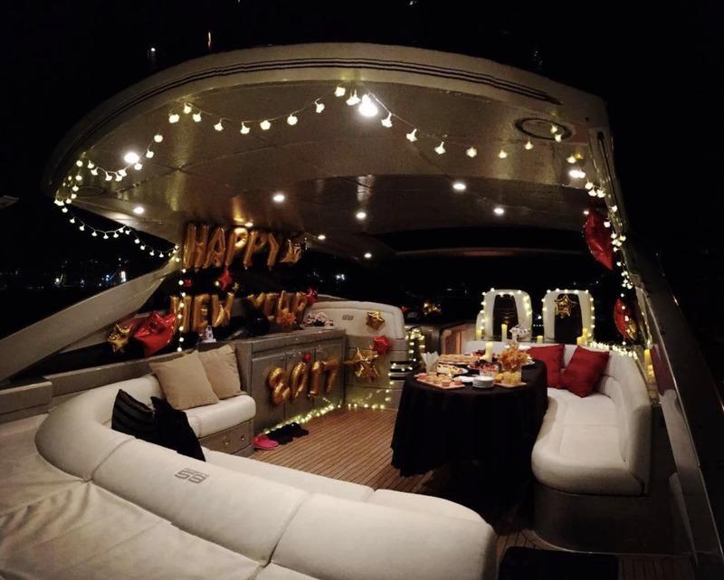 遊艇派對  Hong Kong hk 香港 玩樂活動 58呎 中型豪華遊艇 (18人或以下) 適合 1 至 18 人