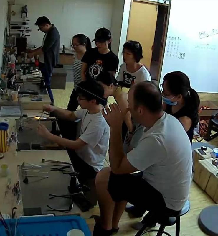 Party Room 葵涌 Hong Kong hk 香港 玩樂活動 燈工琉璃工作室 - 包場gathering 適合 0 至 12 人