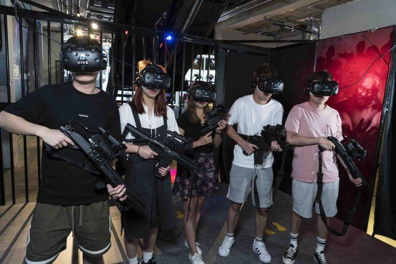 VR / AR 電競館 銅鑼灣 Hong Kong hk 香港 玩樂活動 銅鑼灣 VR 電競館 適合 2 至 80 人