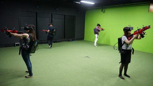 運動或VR競技 葵涌 Hong Kong hk 香港 玩樂活動 場地 CyberX VR 香港首間大空間VR射擊遊戲 適合 2 至 4 人
