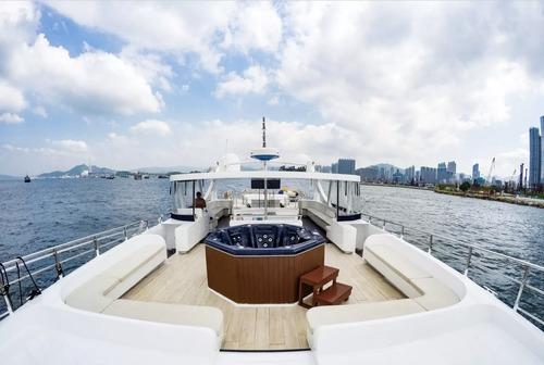 遊艇派對  Hong Kong hk 香港 玩樂活動 場地 85呎豪華遊艇 優質船P體驗(55人或以下) 適合 1 至 55 人
