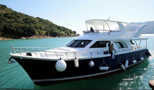 遊艇派對  Hong Kong hk 香港 玩樂活動 場地 62呎大型遊艇 多人派對好選擇(50人或以下) 適合 1 至 50 人