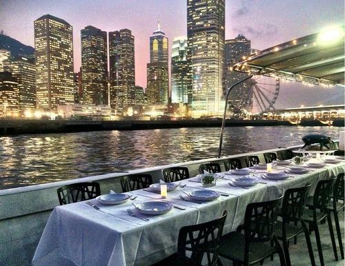 遊艇派對  Hong Kong hk 香港 玩樂活動 場地 70呎大型遊艇 專業遊艇派對(45人或以下) 適合 1 至 45 人
