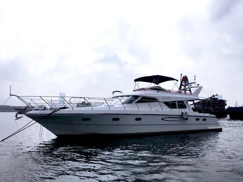 遊艇派對  Hong Kong hk 香港 玩樂活動 場地 63呎中型遊艇 船上燒烤聚會 (20人或以下) 適合 1 至 20 人