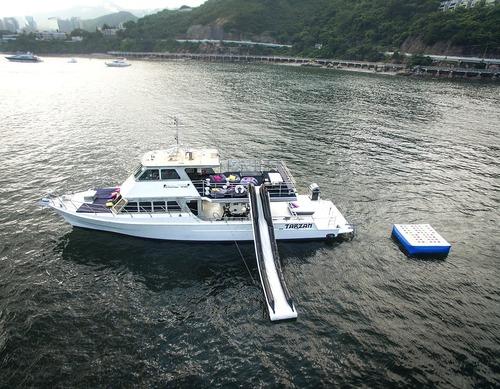 遊艇派對  Hong Kong hk 香港 玩樂活動 場地 70呎豪華遊艇 專業場地之選(55人或以下) 適合 1 至 55 人