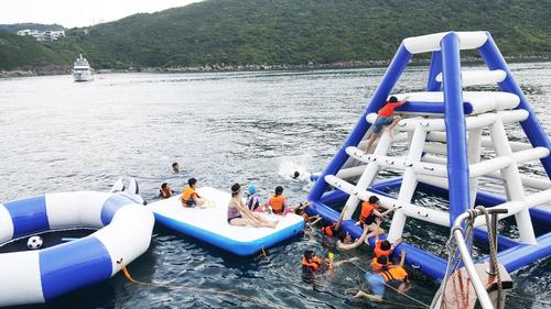 遊艇派對  Hong Kong hk 香港 玩樂活動 場地 66呎豪華遊艇 多人豪華聚會 (42人或以下) 適合 1 至 42 人