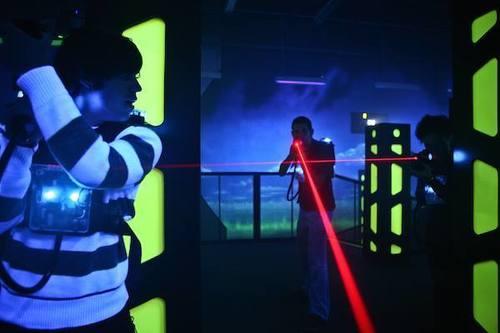 運動或VR競技 銅鑼灣 Hong Kong hk 香港 玩樂活動 場地 Lasermads 太空船鐳射槍對戰體驗 適合 2 至 12 人