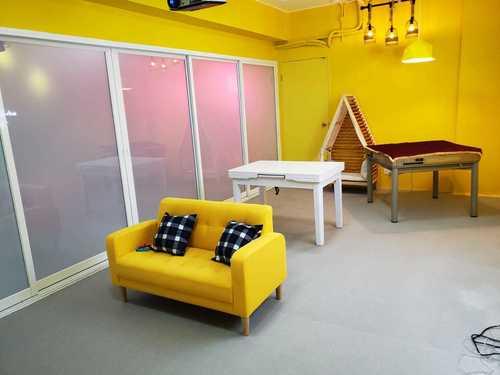 Party Room 旺角 Hong Kong hk 香港 玩樂活動 場地 Open Parties - 布丁房(黃) 適合 6 至 15 人