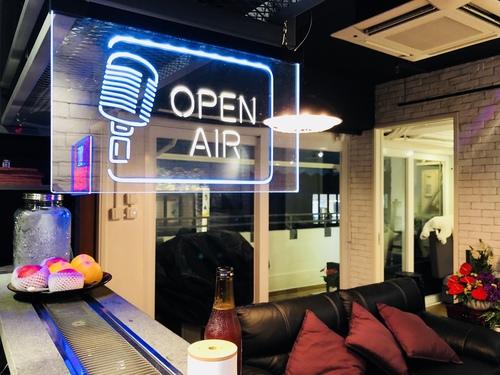 Party Room 長沙灣-荔枝角 Hong Kong hk 香港 玩樂活動 場地 (此場地暫時不接受預約) Pop Rock Music 適合 4 至 70 人